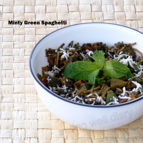 Minty green spaghetti with vegetables