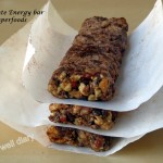 Chocolate energy bars with superfoods (raw, grain-free)